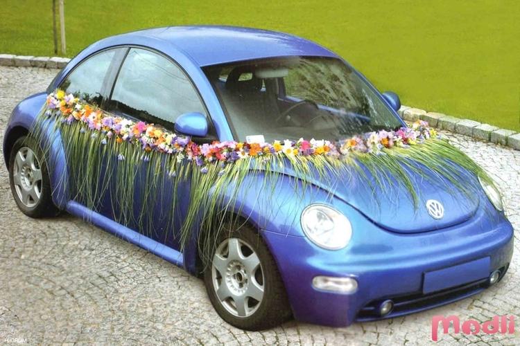 Украшение машины на свадьбу гостей